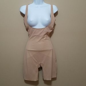 Star Spanx Lady Luxe underbust body shaper XL nude